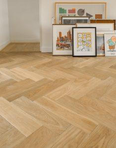 Visgraat vloer geplaatst in Amsterdam