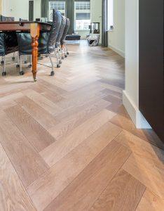 Visgraat vloer op vloerverwarming Leeuwarden