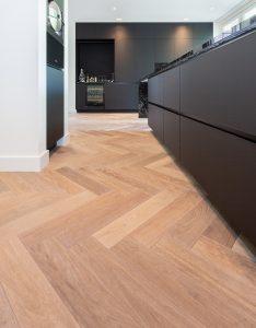 visgraat vloer Leeuwarden keuken