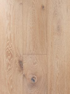 Diep geborstelde houten vloer met 15 jaar garantie.