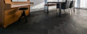 donkere houten vloeren