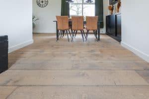 Brede kasteel houten vloer