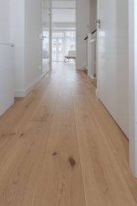 Planken vloer op overloop