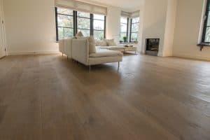 Brede planken vloer Woonkamer