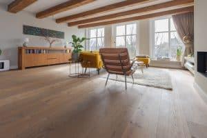 Verouderde vloer op vloerverwarming