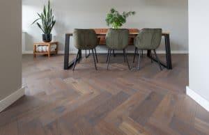 Visgraat vloer verlijmen op tegelvloer